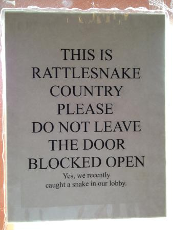 Americas Best Value Inn - Snowflake: Notice on the side door