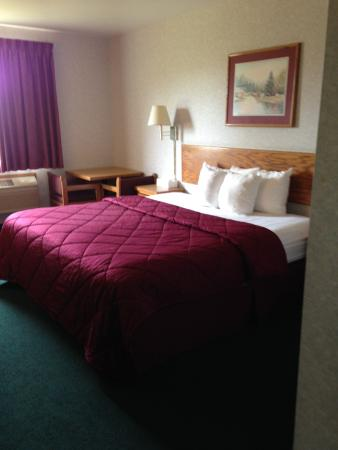 Americas Best Value Inn - Snowflake : King Size Bed
