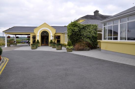 Fernhill House Hotel & Gardens : main entrance