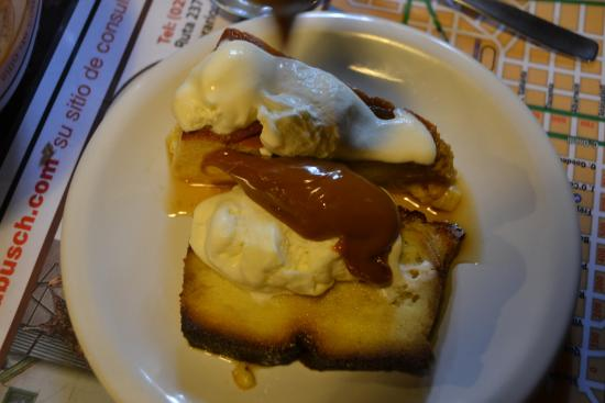 El Boliche Viejo: budin de pan con crema y dulce de leche casero, uhmmm