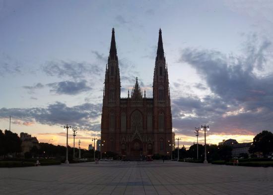 Plaza Moreno