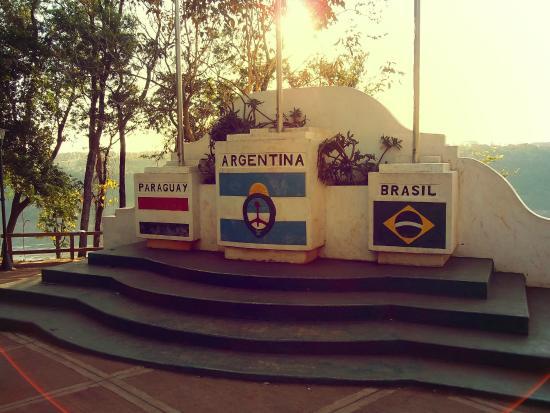 Hito de Las Tres Fronteras Argentina: en el hito 3 fronteras