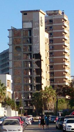 Famagusta, Cypern: Ruined elevator shaft