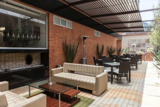 BEST WESTERN PLUS 93 Park Hotel: Terraza-Restaurante