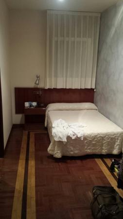 Hotel San Miguel: Nada que ver unas habitaciones con otras...calidad precio + servicios fuera de lugar