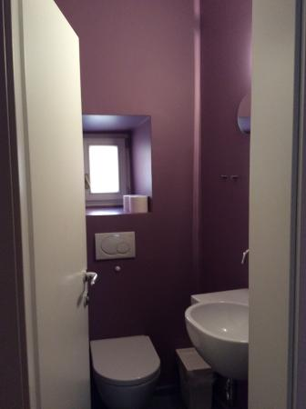 Mescanka: Lavatory of the standard one-bedroom apartment