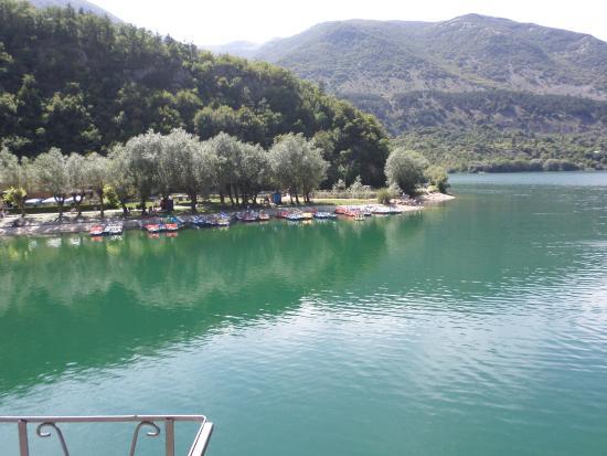 Lago di Scanno - Foto di Parco Nazionale d\'Abruzzo, Abruzzo ...