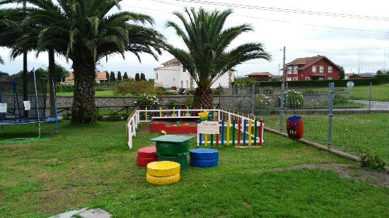 Parque infantil y terraza picture of bar casa de comidas - Parque infantil casa ...