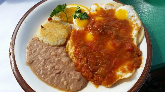 Los Pelicanos Hotel: Quail Eggs Ranchero Style - the food at Los Pelicanos is GREAT!