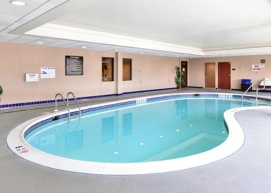 Hampton Inn Fishkill: Pool