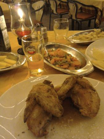 Ristorante Fiorentino: Chicken with tinned carrots and peas!