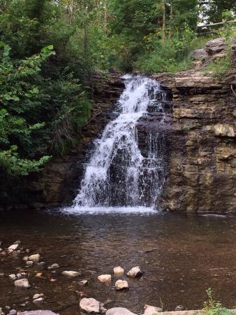 Logansport, Индиана: Waterfall