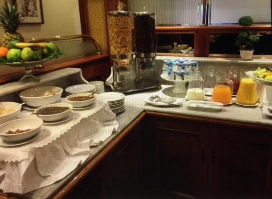 Hotel Orly: Café da manhã