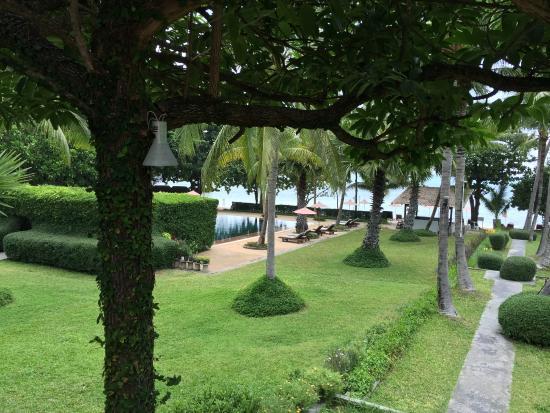 Muang Kulaypan Hotel: Hotel grounds
