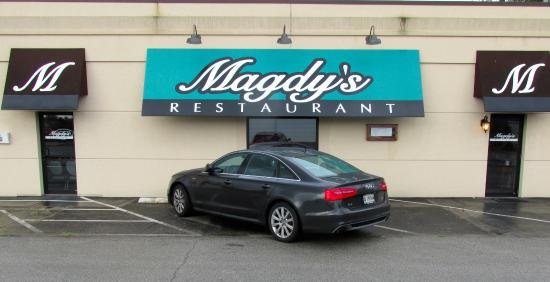 Magdy's: Front