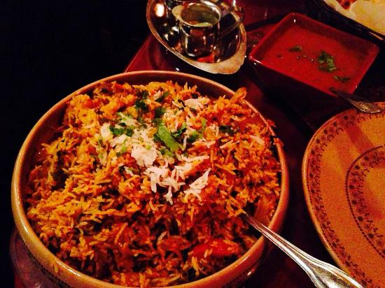 Biryani ordered for 1 but big enough for 2 and popodum
