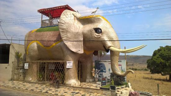 Escultura Casa Elefante