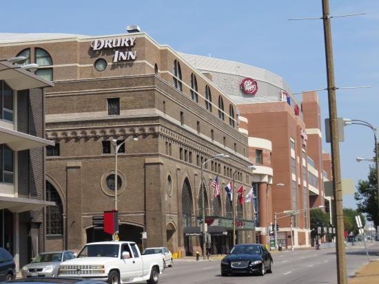 Drury Inn & Suites St. Louis Convention Center: The Drury Inn - Convention Center - A great hotel