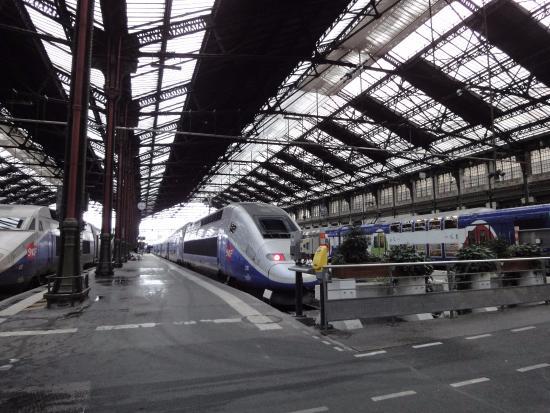 París, Francia: フランス新幹線TGV