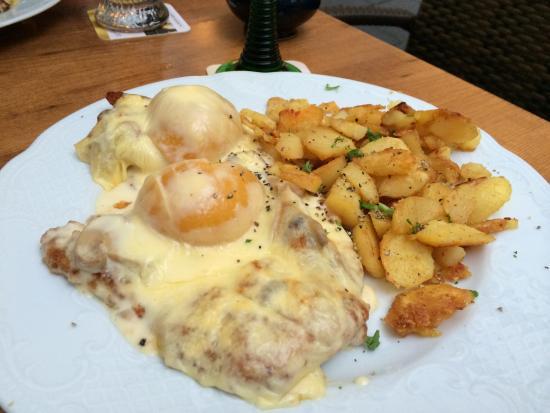 Brauhaus zur Sonne: Delicious Peach Schnitzel