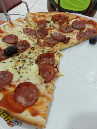 Habibs Pizza A Moda Da Casa Calabresa Com Queijo