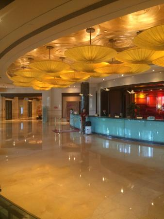 New Century Grand Hotel Ningbo : Beautiful, awesome...maybe the most comfortable I ever been. Rooms, staff, lobby, food - everyth