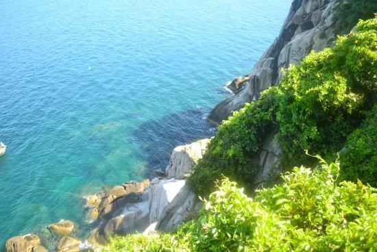 Quang Binh Province, Vietnam: Từ trên đảo Chim nhìn xuống biển