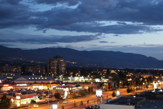 Best Western Plus Kelowna Hotel & Suites: View from our room