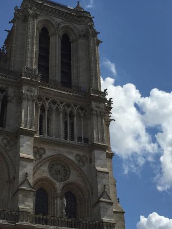 باريس, فرنسا: Torre de Notre Dame- Ile de la Cité