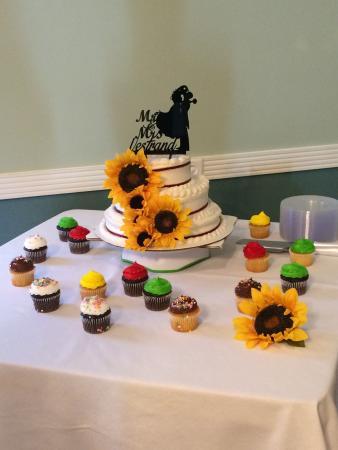 Sea of Cakes N Cupcakes