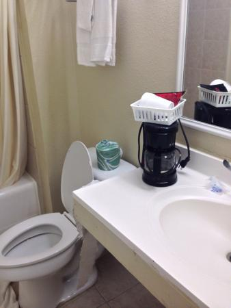 Americas Best Value Inn-Giddings : photo0.jpg