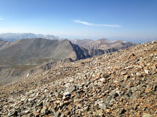 Alma, Kolorado: Last mile of Mt Democrat trail is across boulders