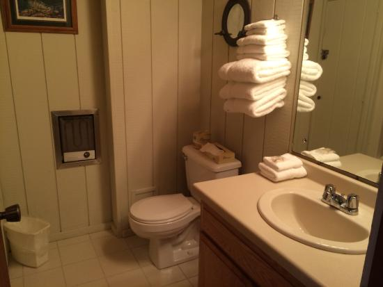 Chateau LeVeaux on Lake Superior: Bathroom