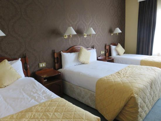 Brook Lodge Hotel: Big rooms