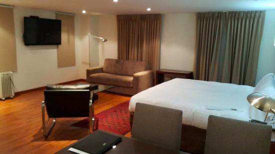 Hotel Porton Bogota: HABITACION