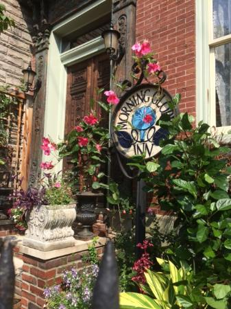 Morning Glory Inn : Front Door