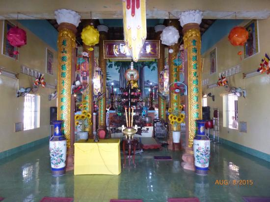 Linh Long Tu Temple