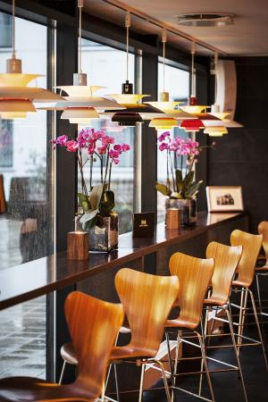 First Hotel Twentyseven: HOney Ryder