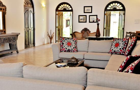 Galle Heritage Villa by Jetwing: Living room