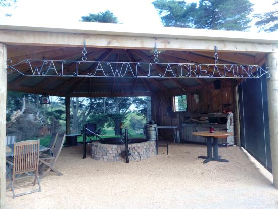 Valentine Hills: Our BBQ/Spit Outdoor Cooking And Entertainment Pavillion
