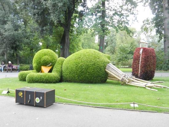 Le poussin - Photo de Jardin des Plantes, Nantes - TripAdvisor