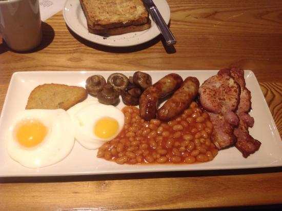 Eastmoor, UK: Yummy freshly cooked breakfast in the Beefeater next door !