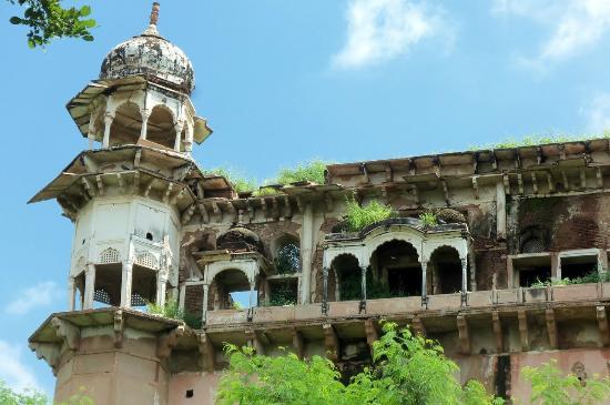 Lohagarh Fort: Kishori Mahal