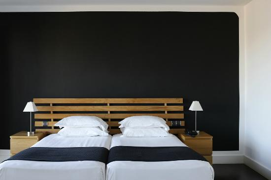 hotel le versailles villefranche sur mer france voir les tarifs et 120 avis. Black Bedroom Furniture Sets. Home Design Ideas
