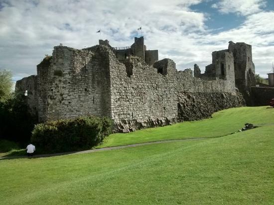 Castle Arch Hotel: Trim Castle