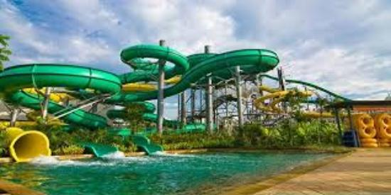 Waterbom Bali: wahana seluncur