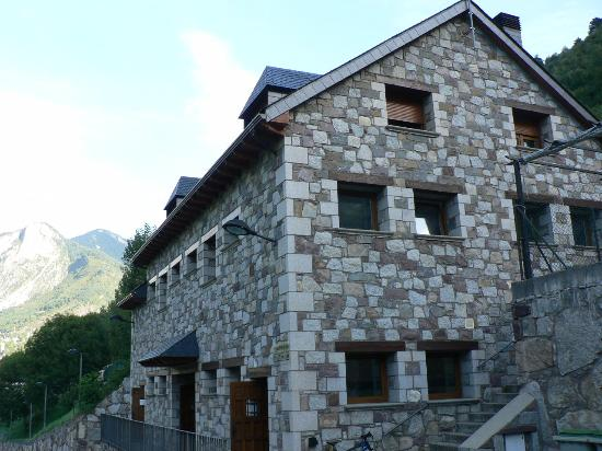 Hotel Camping Bielsa : Edificio baños