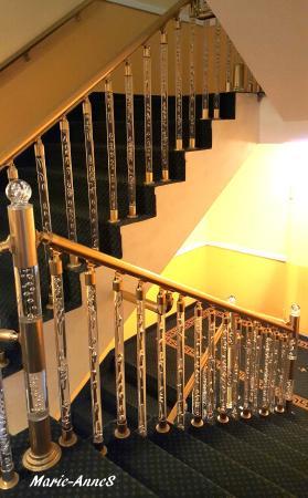 BEST WESTERN Alexa Hotel: Vackra trappräcken