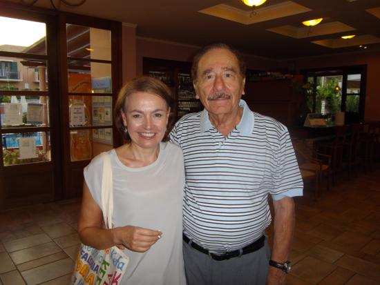 9 Muses Hotel Skala Beach: It was great meeting Peter (the owner)