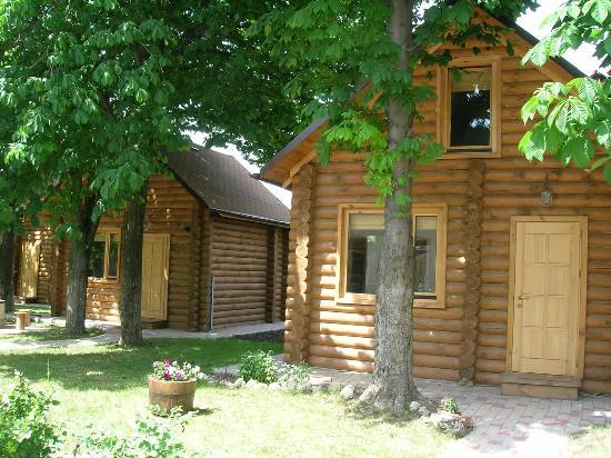 Castania Holiday Cabins